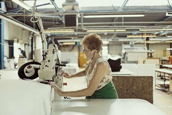 Glencraft - Lady Sewing